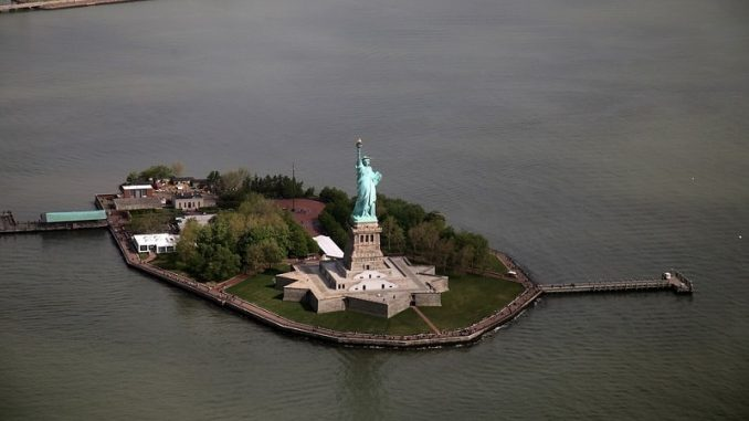 Statue Of Liberty New York 678x381 - Best Family Holiday Destinations In The World