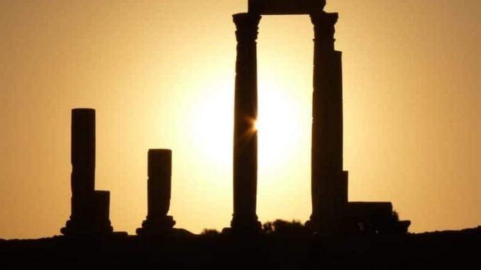 Citadel Hill Amman Jordan e1545620518606 678x381 - Jordan Travel Guide – So Much More Than Just Petra