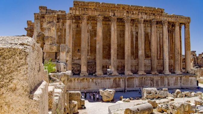 Baalbek Lebanon Ruins e1546966908632 678x381 - Lebanon Travel Guide - A Week Long Road Trip