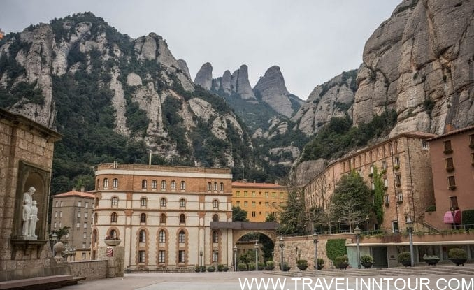 Montserrat Monastery Spain e1550729425307 - Sightseeing In Barcelona - Famous Tourist Sights and Attractions