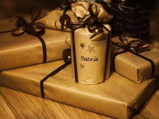 Best Gifts for Your Traveler Friends