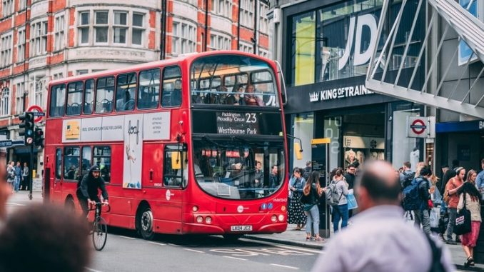 Oxford Street London 678x381 - 5 Must-See Places To Visit During A Weekend Aventure In London