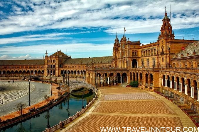 Seville Spain Travel Guide Plaza Espana Seville e1554441225661 - Seville Tourist Guide | Best Places To Visit in Seville, Spain