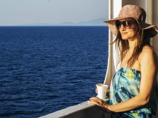 Travel Tips for Women And Moms Traveling Abroad