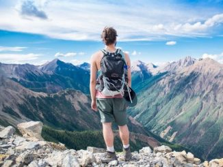 10 Long-Distance Hiking Trails in the US