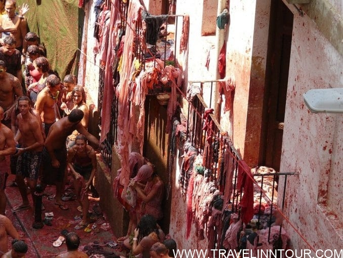 La Tomatina Battle at Buñol e1559299679352 - 6 Destinations For Events and Festivals In The World