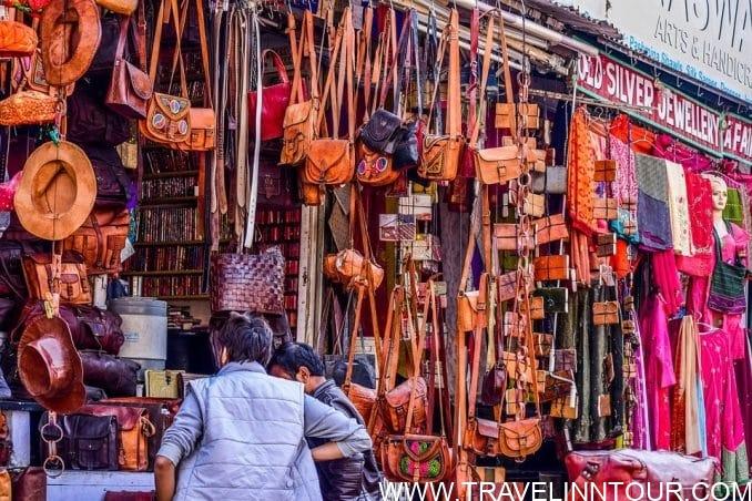 Shopping Tourism Top 5 Famous Shopping Destinations in India e1559273210629 - Shopping Tourism, Top 5 Famous Shopping Destinations in India