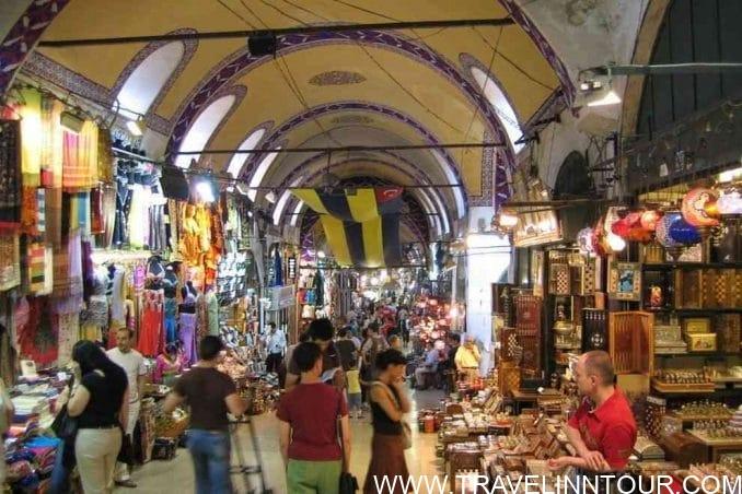 Shopping in Mumbai e1559273394841 - Shopping Tourism, Top 5 Famous Shopping Destinations in India