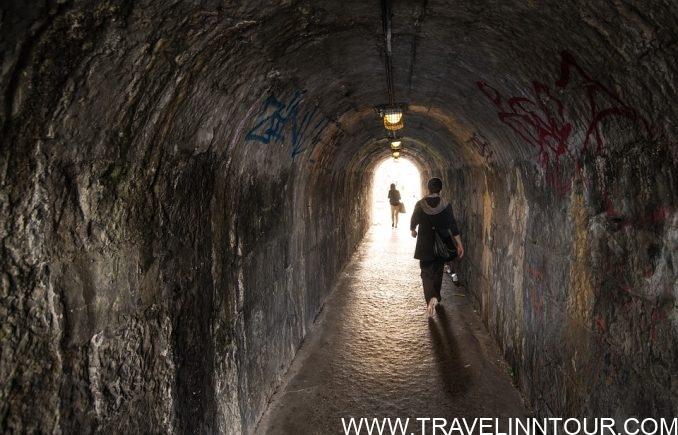 Avoid Dark Alleys e1559802635357 - 10 Solo Travel Tips for Beginners