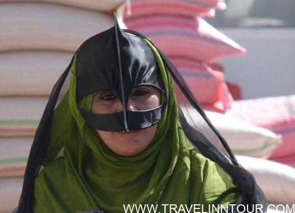 Bedouin Woman Arabic Nomad Oman e1560917163706 - Honeymoon Travel - A Lifetime Experience