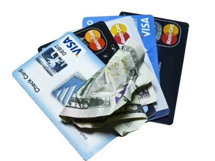 Credit Card e1583628156694 - Money Saving Travel Tips