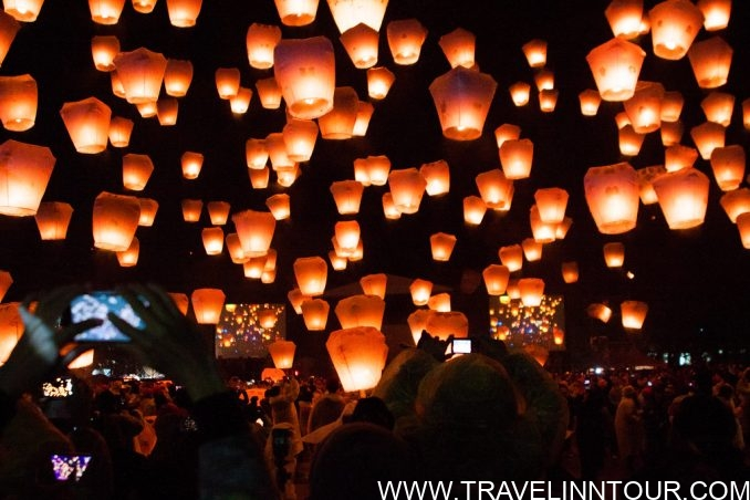 flying lantern festival e1565031560271 - 10 Best Places To Visit Once In A Lifetime