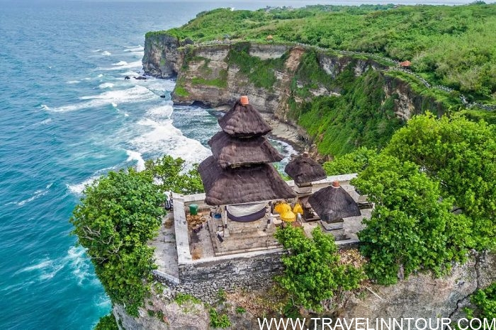 Pura Luhur Uluwatu e1581946614145 - 12 Best Places To Visit In Singapore and Bali