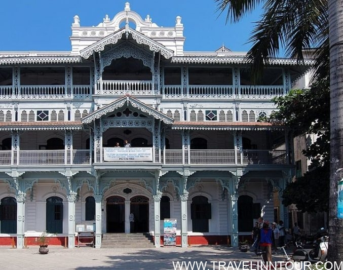 The Old Dispensary Front - Stone Town, Intrigues Of The Zanzibar