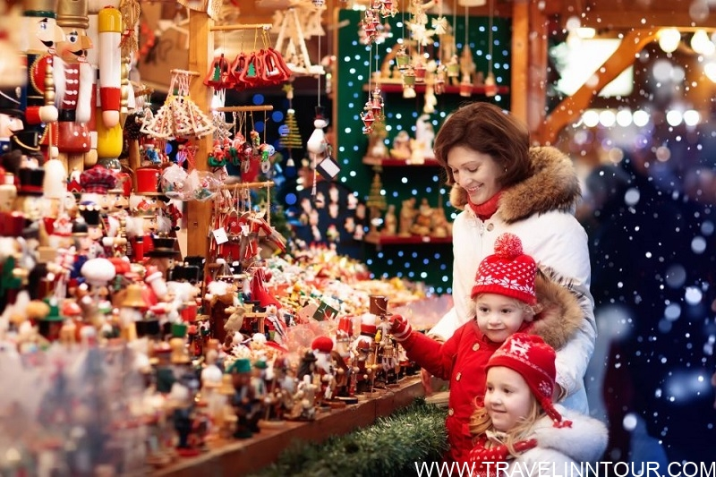 Christmas Magic Walking Tour